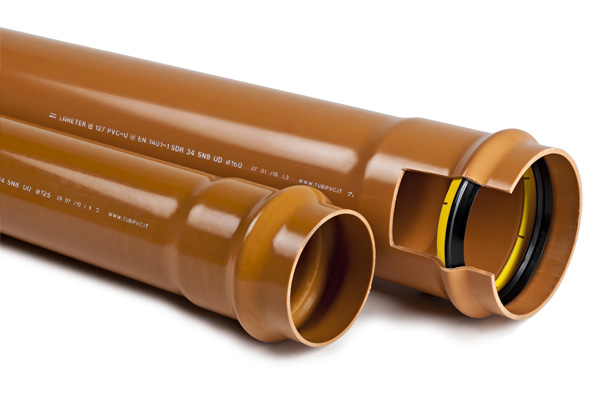 Tubi pvc fognatura tubi e raccordi in pvc e polietilene for Tipi di tubi in pvc